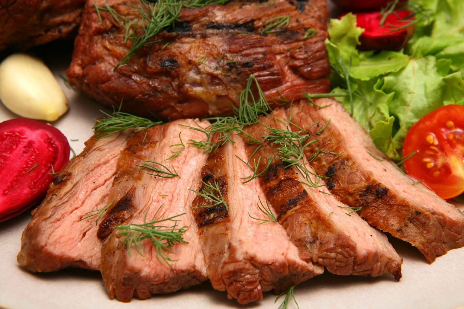 Как сделать жаркое из свинины мягким и сочным