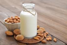 растительное молоко в совковыжималке RVJ-02